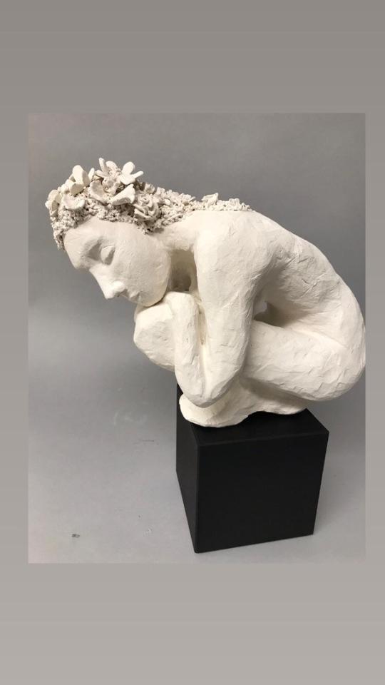 Skulptur aus Paperclay ca. 35 cm hoch